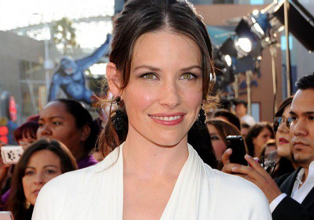August 3: Happy Birthday Evangeline Lilly