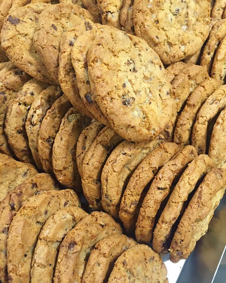 Celebrate #NationalChocolateChipCookieDay today with our BOGO deal. Our bakeries are mixing up extra batches of our chocolate chip cookies. Today only, buy one 10 ct. package and get one free! <br>http://pic.twitter.com/wTJXhu7D7f