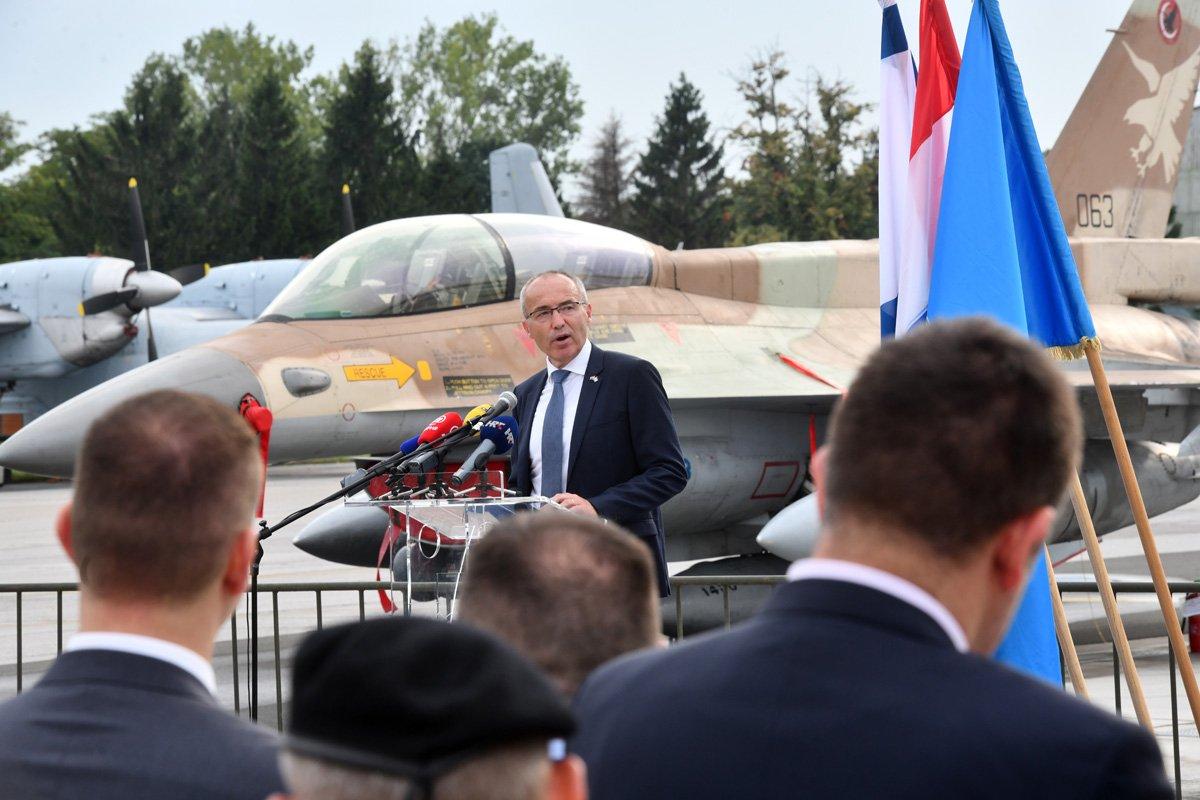 كرواتيا مهتمه بشراء مقاتلات F-16 مستعمله من اسرائيل  DjsaK7gW4AEDHoZ