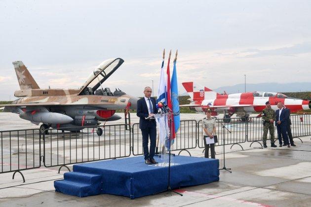كرواتيا مهتمه بشراء مقاتلات F-16 مستعمله من اسرائيل  DjsaL-nXoAoECxm