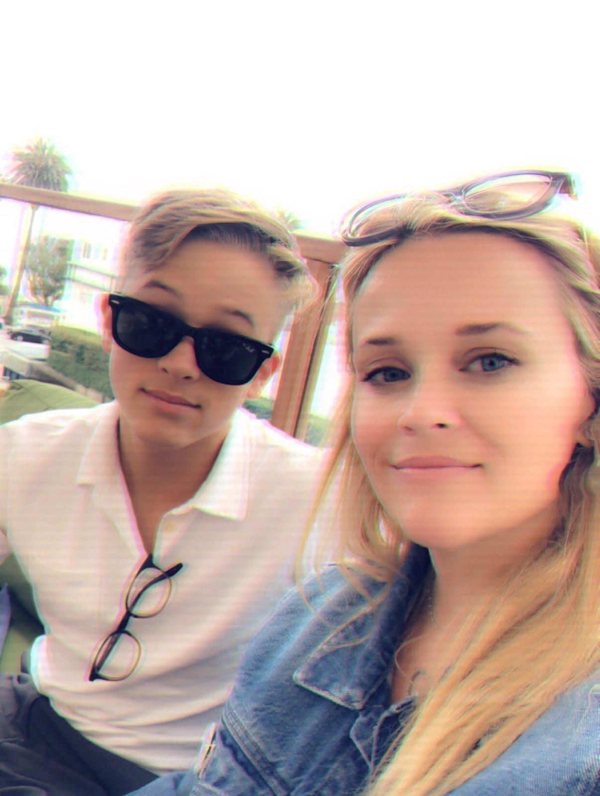 Lunch with my boy, Deacon ! �� #TGIF #SummerFun https://t.co/0MTcxTRwIo
