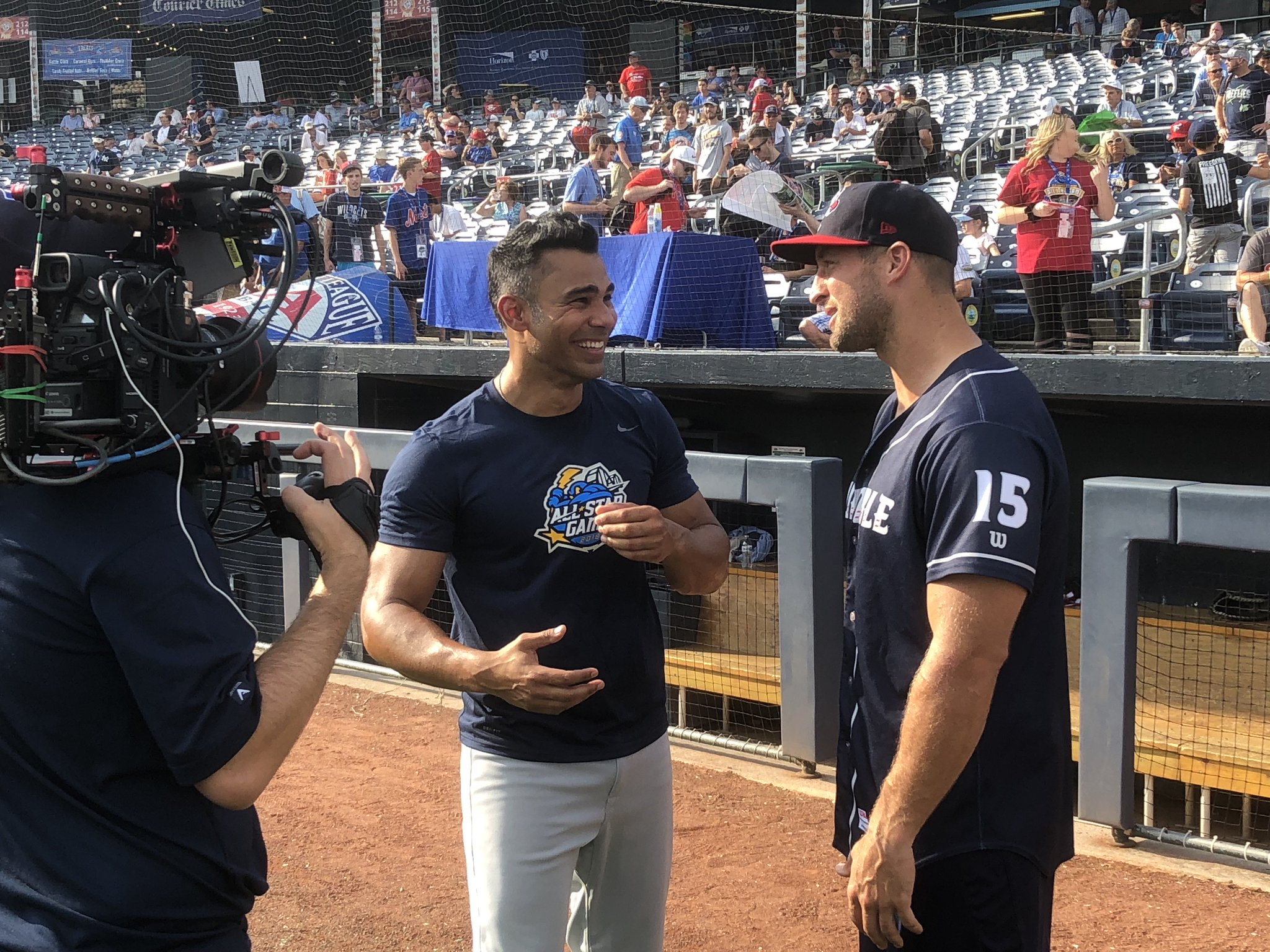 Former football star turned @Mets Minor Leaguer @TimTebow joins Carlos Peña on #PlayBall at 10am ET! https://t.co/7Sw99Ui30M