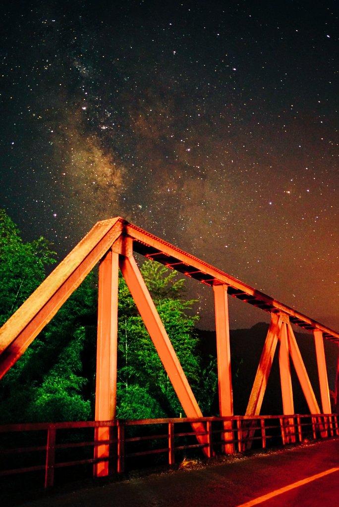 鉄橋と天の川