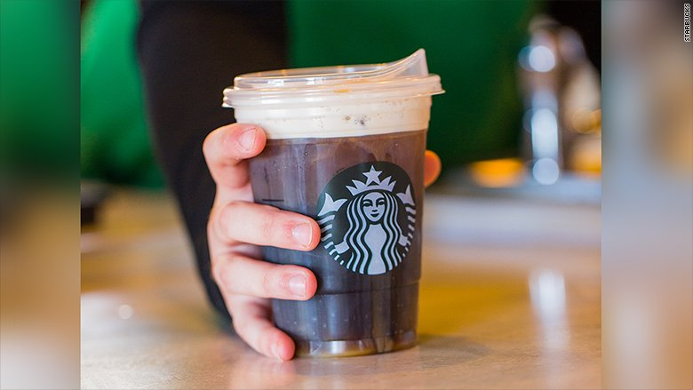 Starbucks may let customers pay with bitcoin https://t.co/kGa5h4Jscz https://t.co/iFN5r33p15