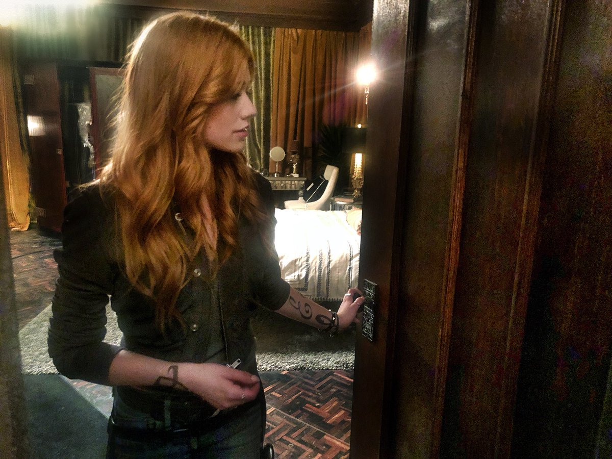When one door closes... that's a wrap on Clary Fairchild. #FrayFriday #ShadowhuntersLegacy #Shadowhunters