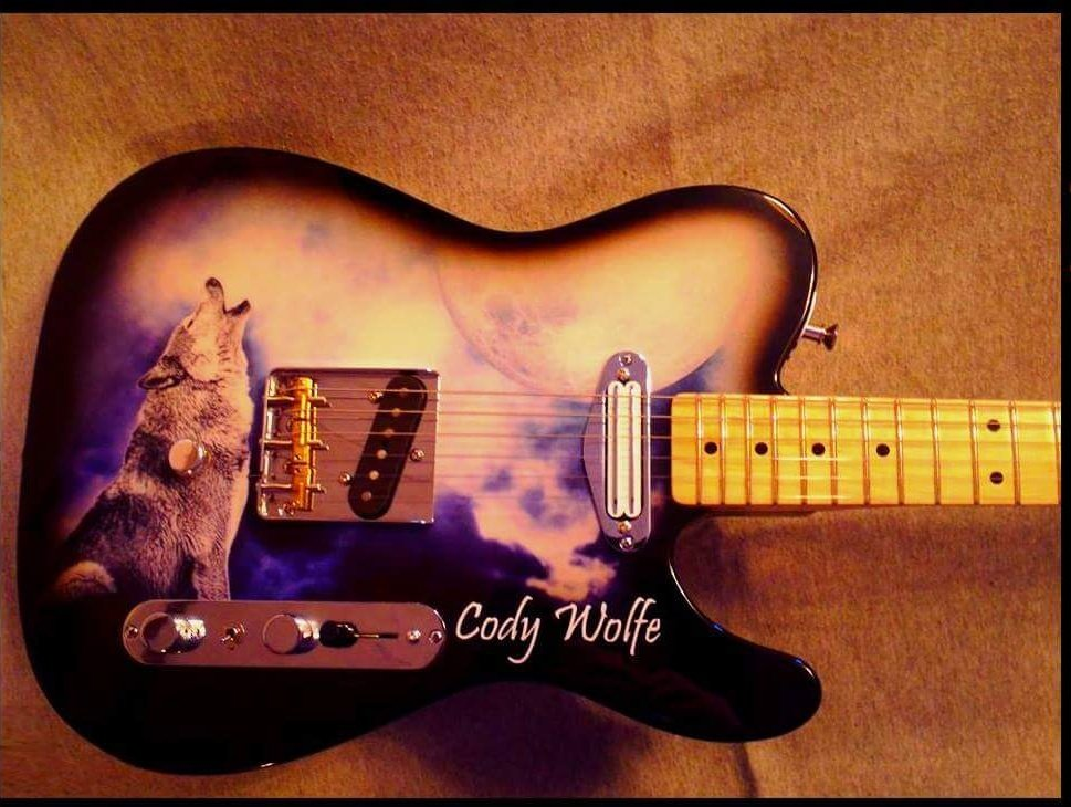 @damiandover @CodyWolfeMusic He doesnt need a real les paul when he has his own line of custom guitars