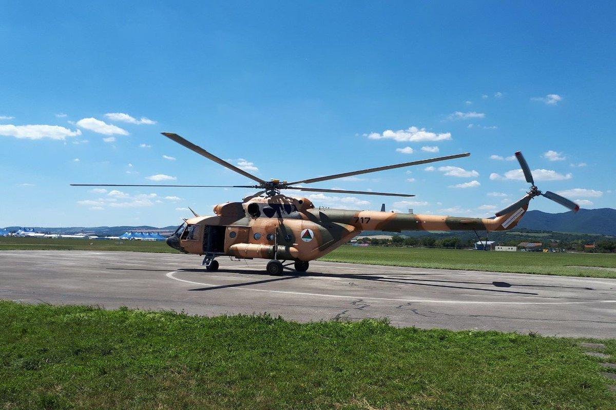 سلاح الجو الافغاني يتسلم اولى مروحيات Mi-17V5 المعاد تأهيلها من سلوفاكيا  DjvXwVoXoAAD4s9