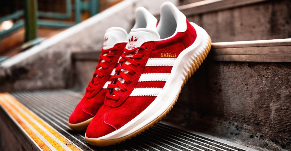 sports shoes 08b91 497f2 heres how to cop the shoe surgeons 800 adidas gazelle dame hybrid today