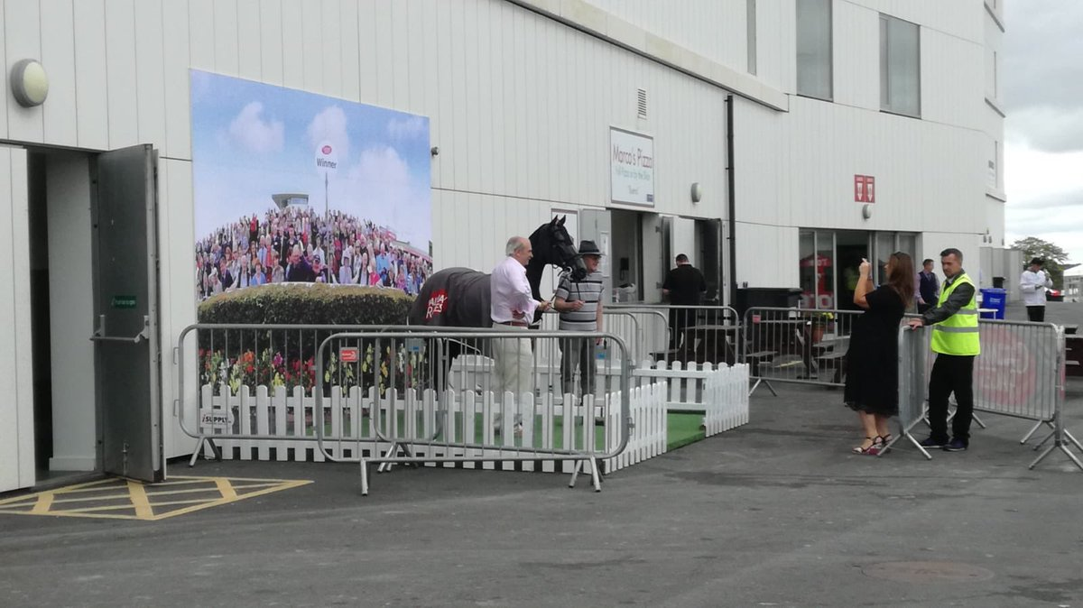 test Twitter Media - Loads of entertainment getting set up for day 6 of the @Galway_Races Festival  #ComeRacing https://t.co/W5tqeMnzB3