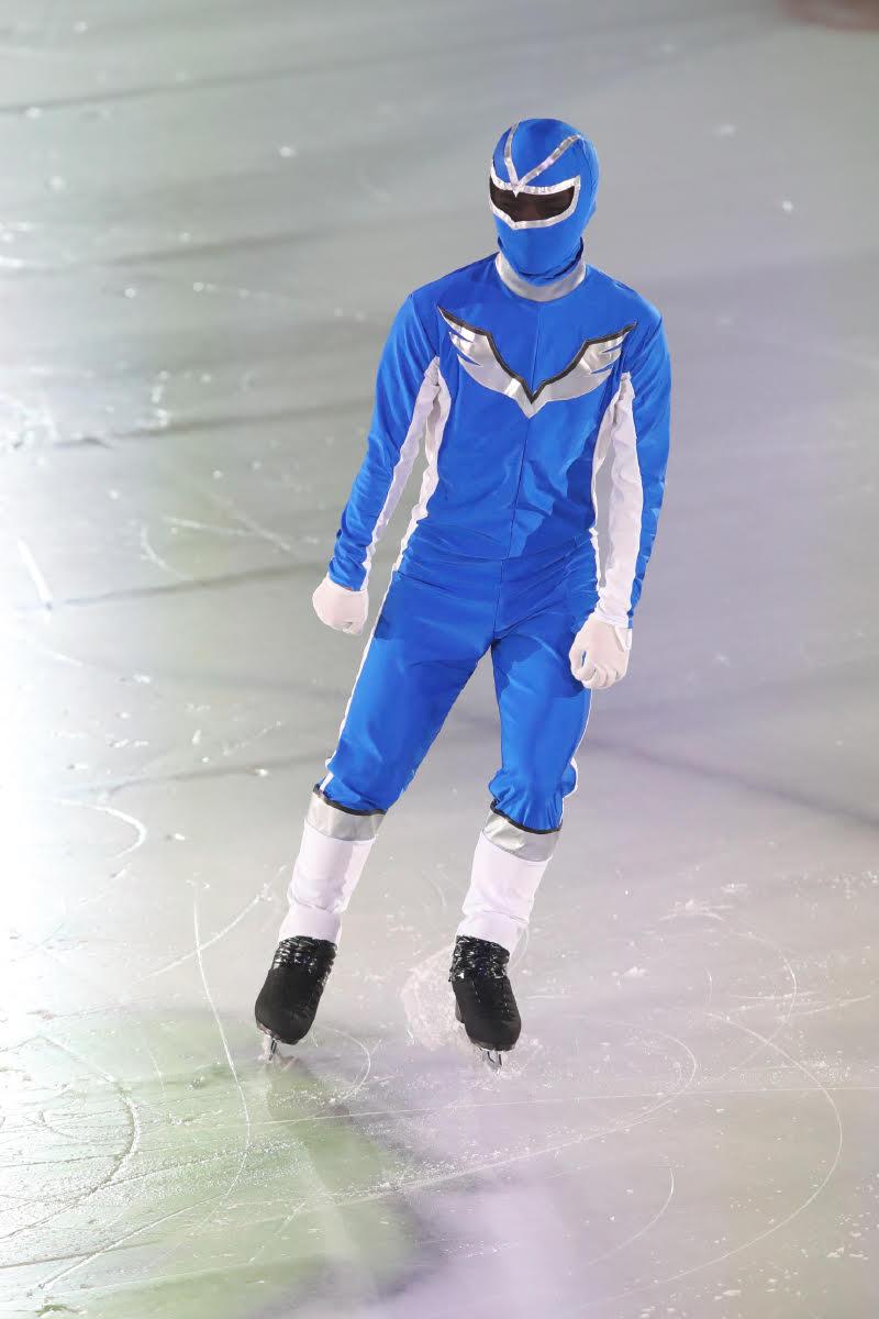 Ледовые шоу-5 - Страница 37 DjwXnFLVAAA-0SK