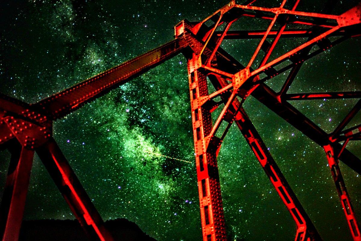 赤い橋と天の川