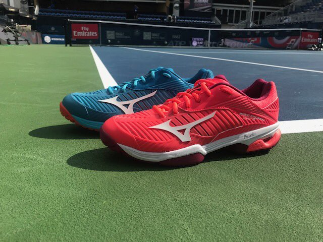 Missed trying on the #WaveExceed at the #AtlantaOpen? Try on #Mizuno's new all-court shoes at the @MizunoEXPCenter.