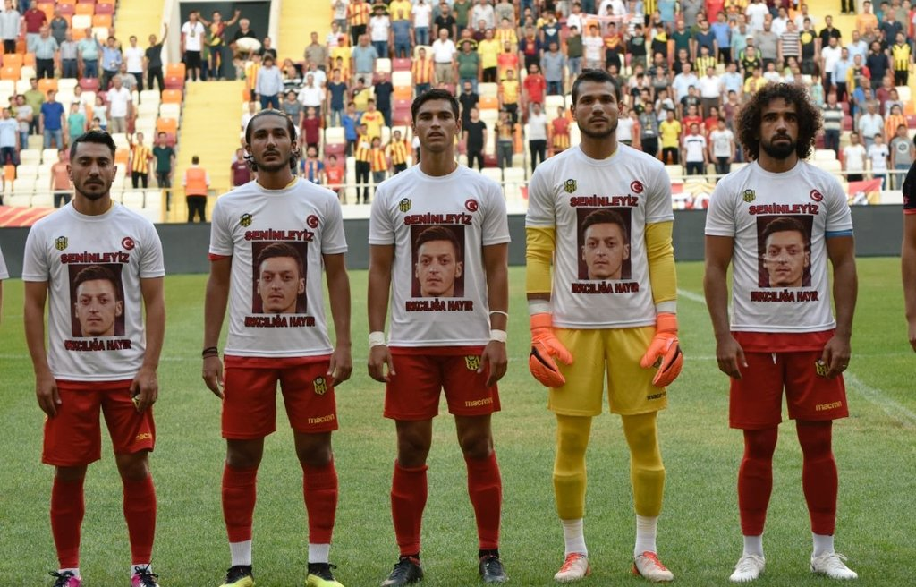 Turkish Club Malatyaspor wore shirts today in support of Mesut Özil. The shirts had We are all with you, say no to racism written on them.
