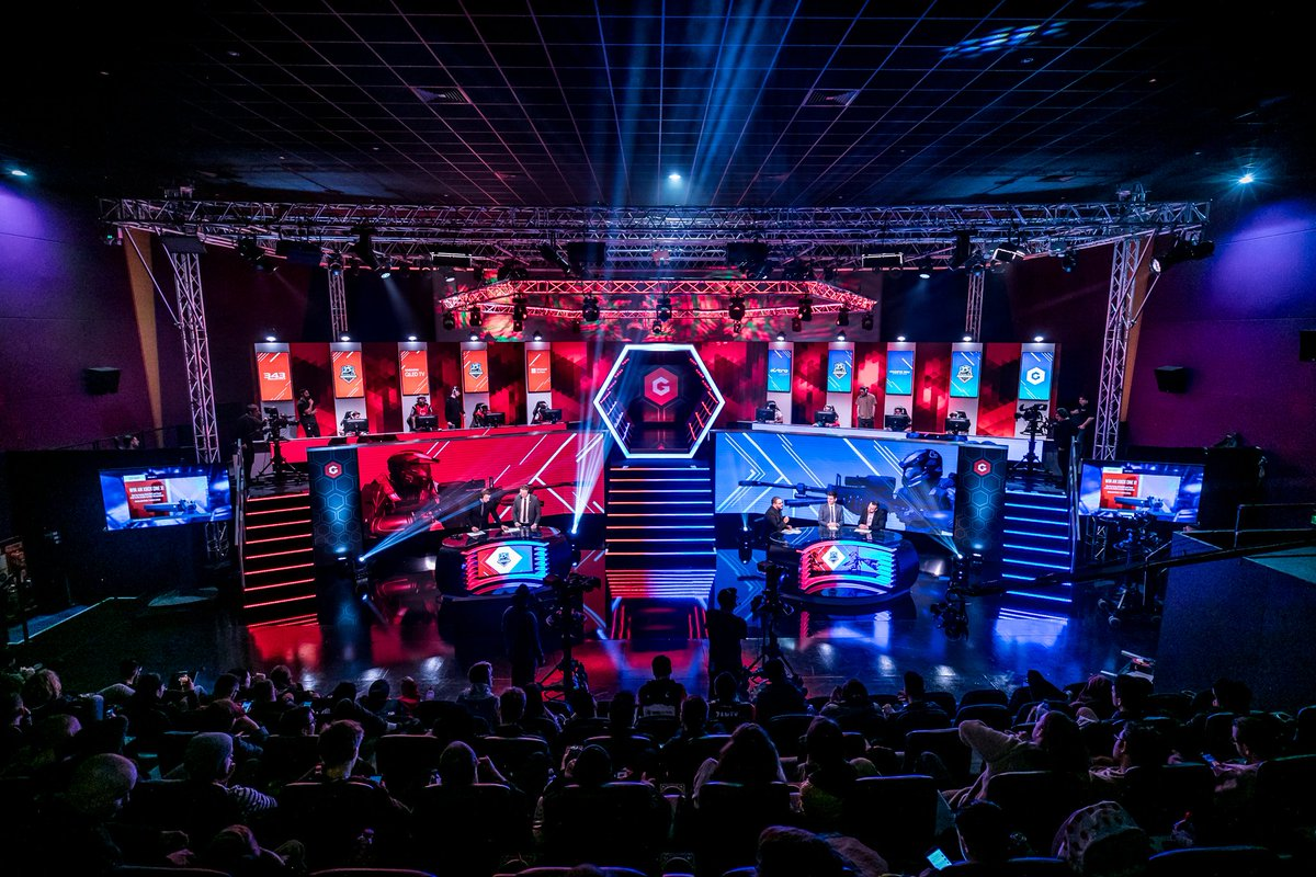 We're closing in on #HCS London and spectator tickets are nearly all sold out. Don't miss your chance to watch the world's best Halo players duke it out in the @Gfinity Arena! Head to Halo.gg/HCSLondon2018 to learn more!