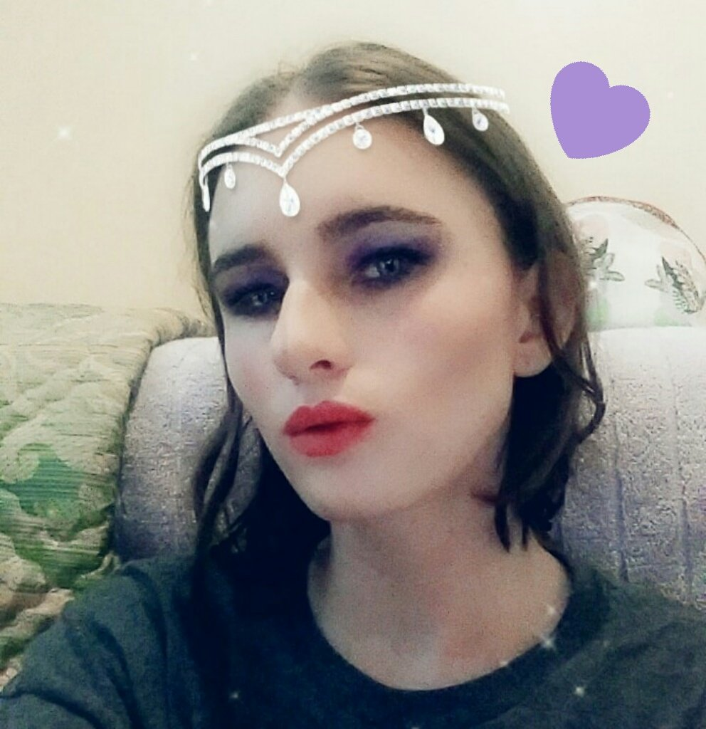 ... while since I last used Twitter, so here is me with full makeup that I did a while ago too and got to love Snapchat filters.pic.twitter.com/noPXJuNnQx