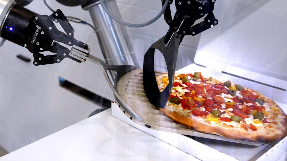 Quartz On Twitter France S Ekim Wants To Replace Pizza Restaurants With Robots Https T Co Eqe8uwl3sa