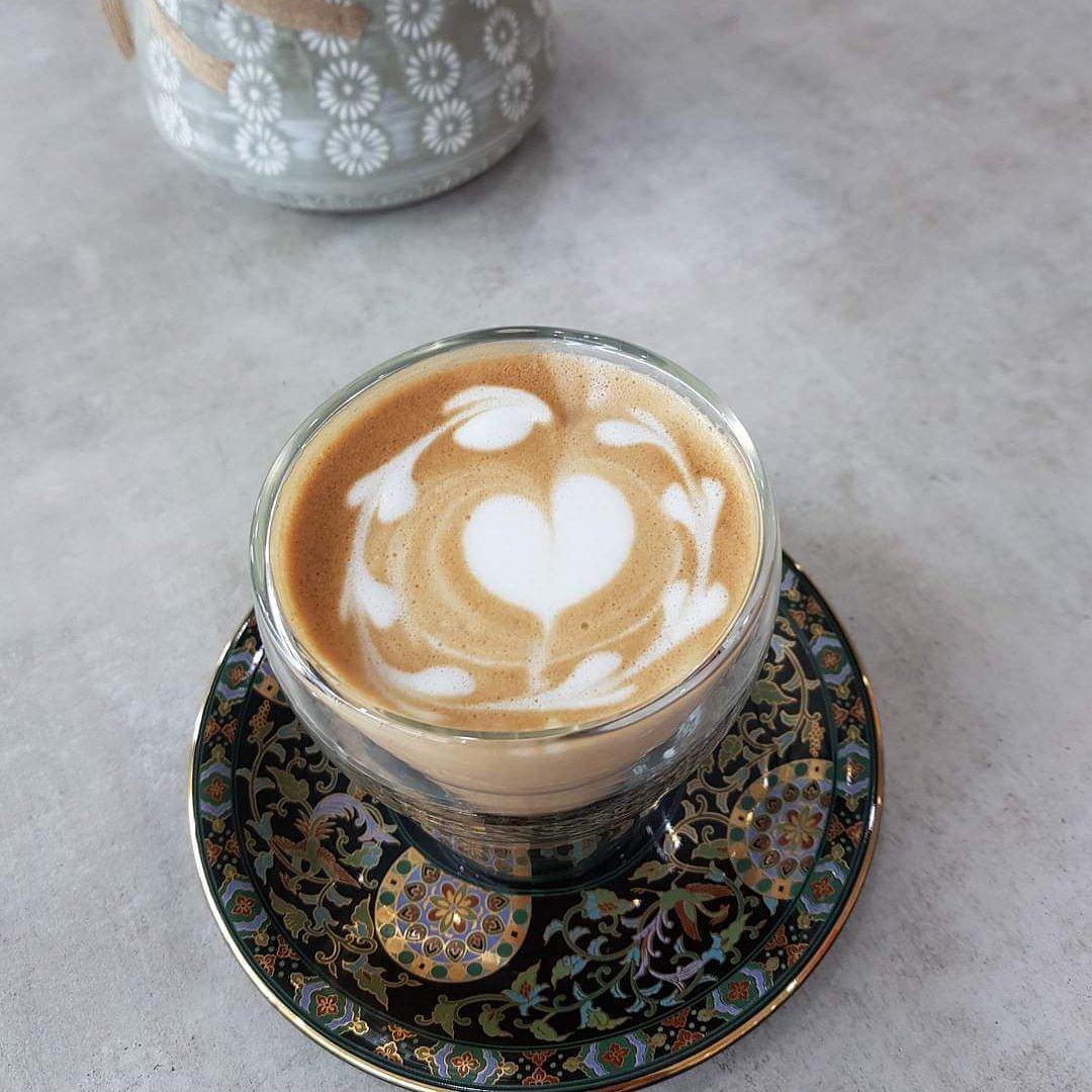 Good morning Sunday fun day!  ร้านเปิดทุกวัน 8.30-17.30  ชั้น2 ข้างบนตึกเทเลวิซ/ซัมซุง ตรงข้ามทุ่งศรีเมือง  #callmecafe #coffee #cafeudonthani #reviewudon #reviewesan #รีวิวอุดร #udonthani #livinginudon #ร้านกาแฟอุดร #latteartpic.twitter.com/neAJGfNXhf