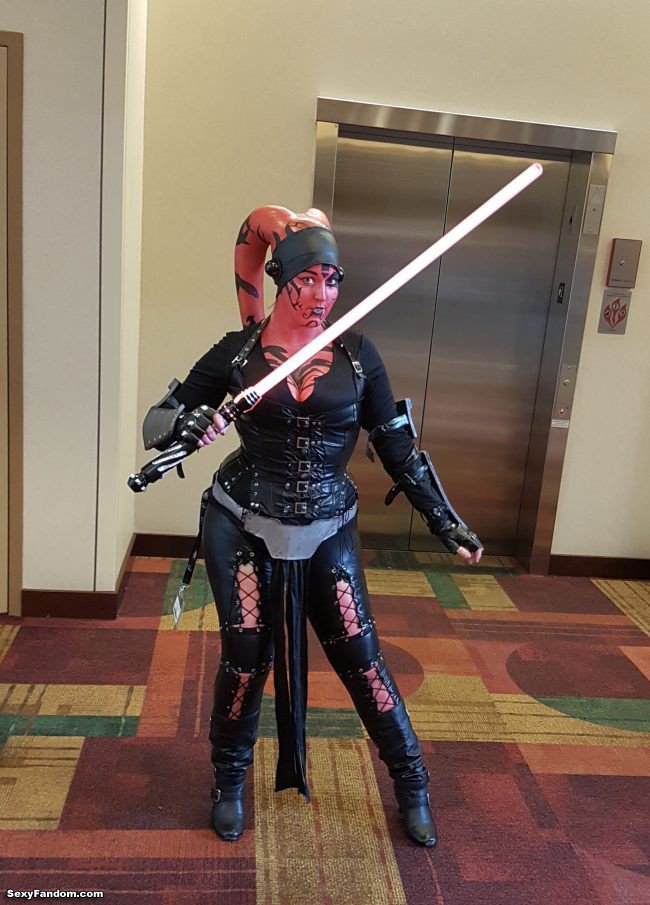 Sexy Fandom: GenCon 2018: Day two—Vampires, Cthulhu,...