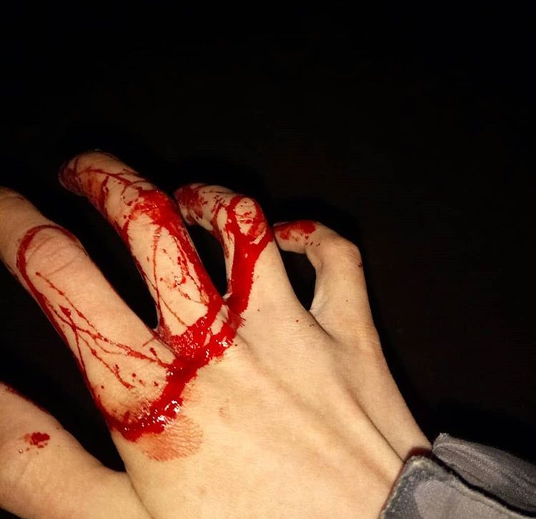 Красивые картинки рук в крови