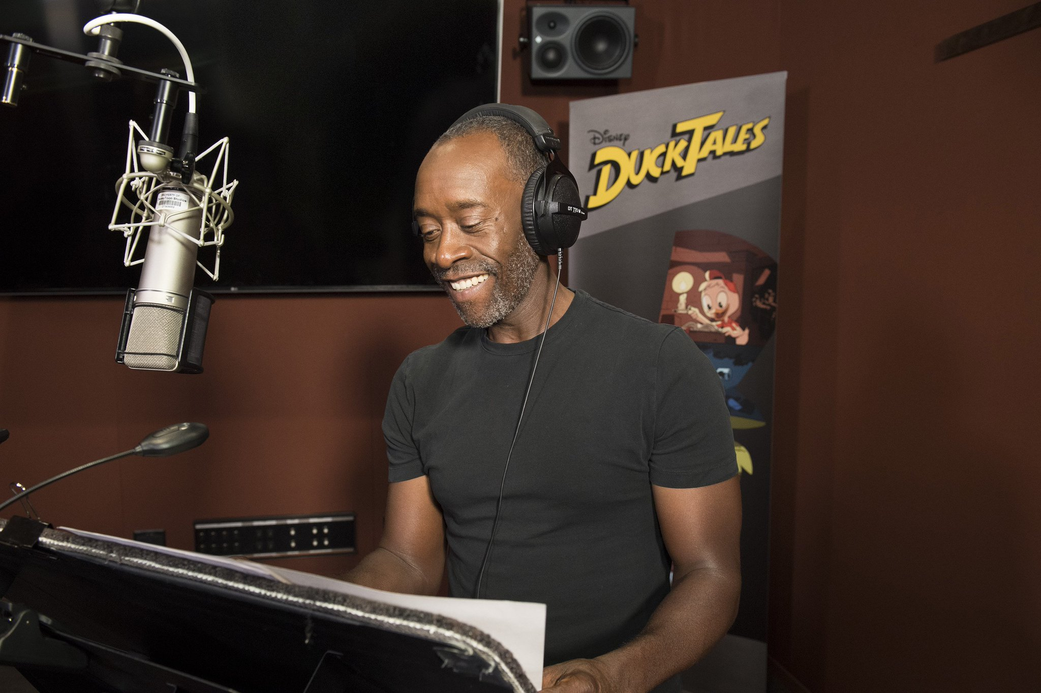 This video of Don Cheadle voicing Donald Duck will both delight and confuse you https://t.co/yPHDY6zWOr https://t.co/gQjoMBpnrG