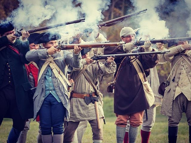 All that smoke #rebelsandredcoats #revolutionarywar #reenactment #patriots https://t.co/CLSc33nSqn