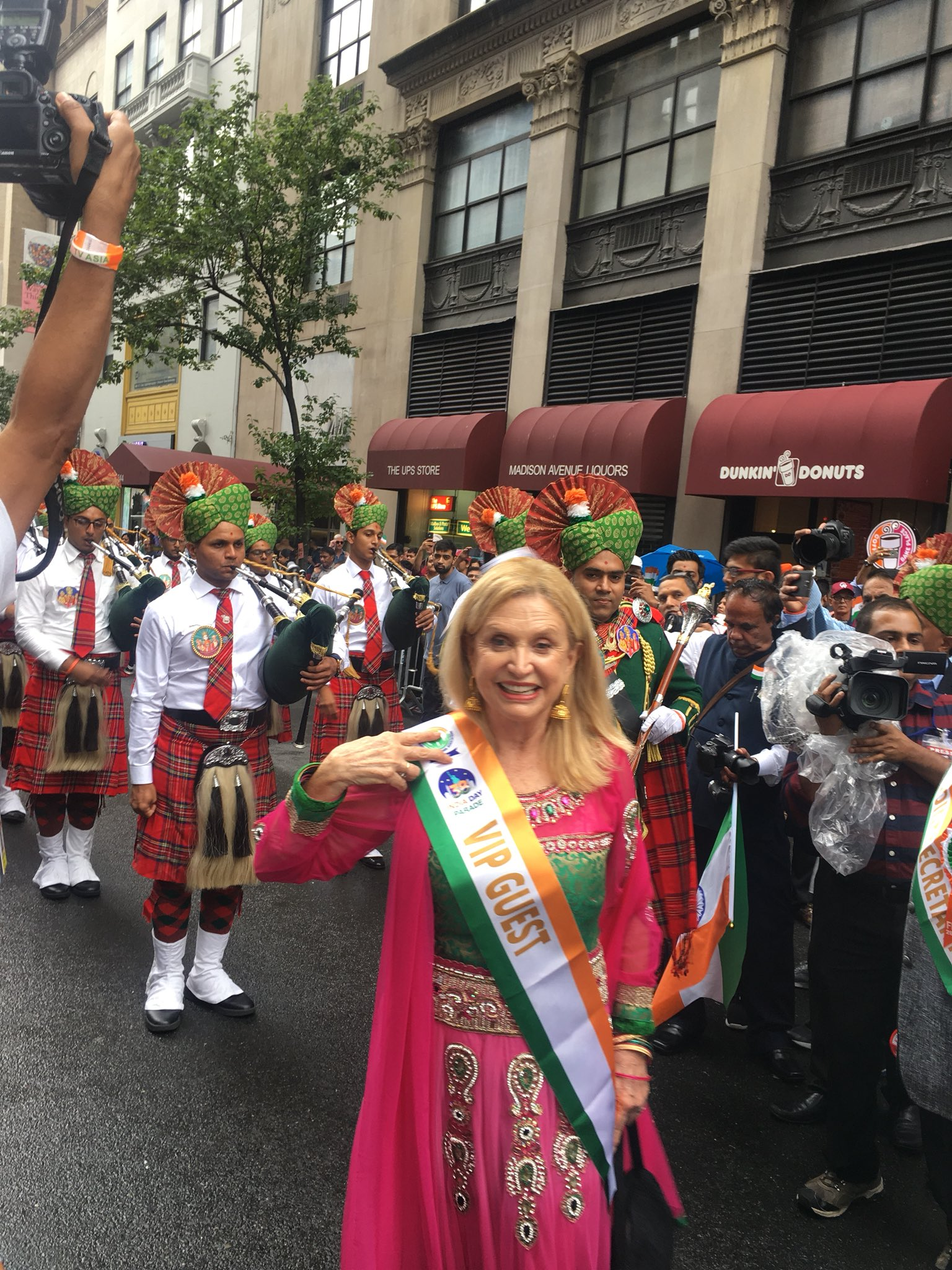 There's no parade like the #IndiaDayParade! Thrilled to be celebrating 72 years of Independence! https://t.co/IadDlsdtb3