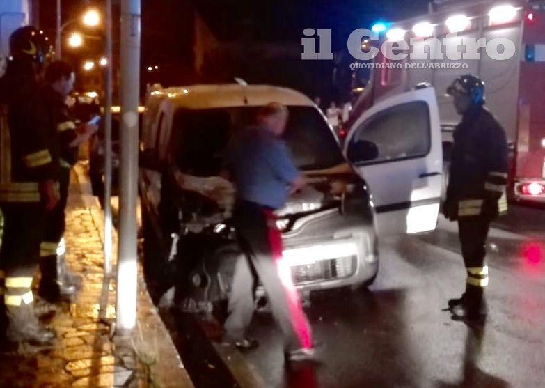 #abruzzo #19Agosto #incendio #vigilidelfuoco #LAquila#Sulmona , bruciato #furgone  di società di #scommessehttp://tinyurl.com/yddkx3k6  - Ukustom
