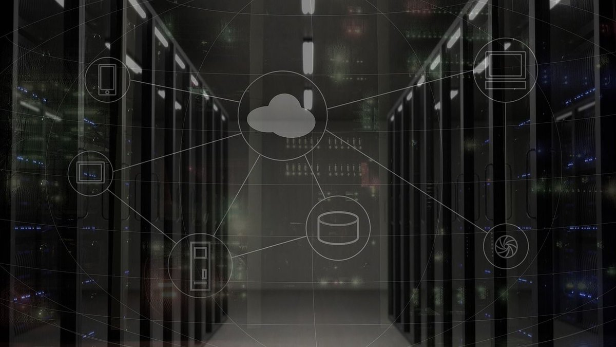 #CloudComputing has quickly become a staple for storing, sharing, and accessing data, but how does it benefit #manufacturing? Find out here:  https:// buff.ly/2w7wmPu  &nbsp;  <br>http://pic.twitter.com/rHrENt6imS