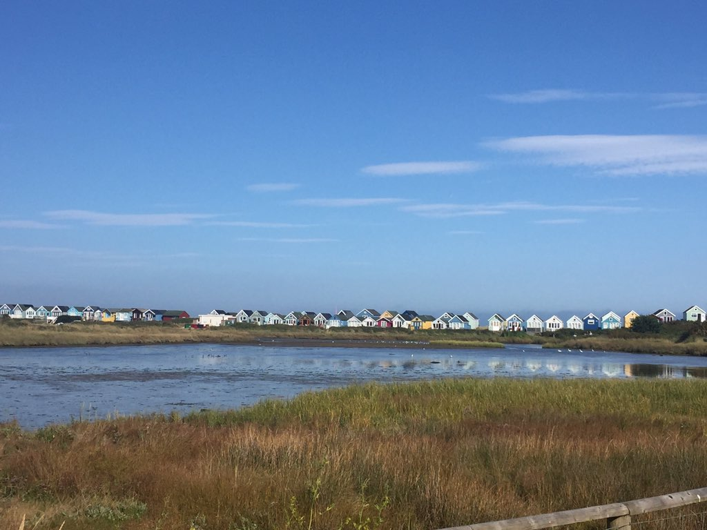 Glorious evening in one of our favourite spots #hengistburyhead #mudefordspit <br>http://pic.twitter.com/NmHcPL6BvI