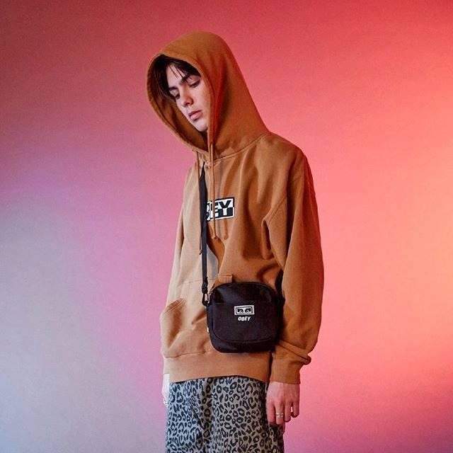 Scopri tutte le novità nel nostro shop online!  http:// www.graffitishop.it #graffiti #graffitishop #sneakers #streetwear  - Ukustom