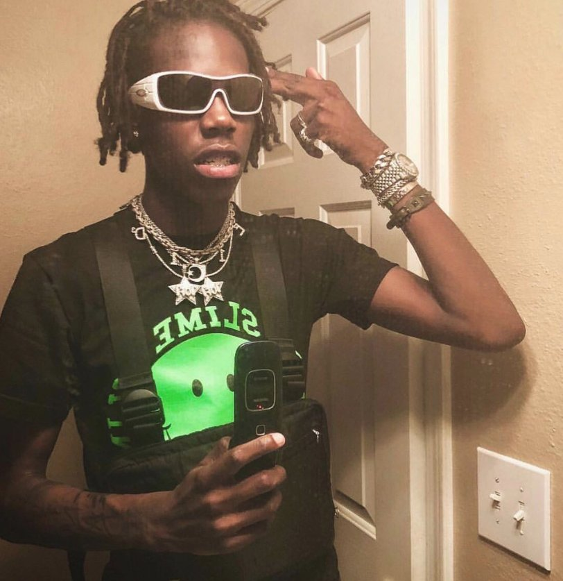 yung bans probably got the best manager in the game rn. 8-9 months ago ain&#39;t nobody know him for anything except for that song with X. now you can&#39;t even go on twitter without seeing this picture of him at least once <br>http://pic.twitter.com/e0cK4Cg0OE