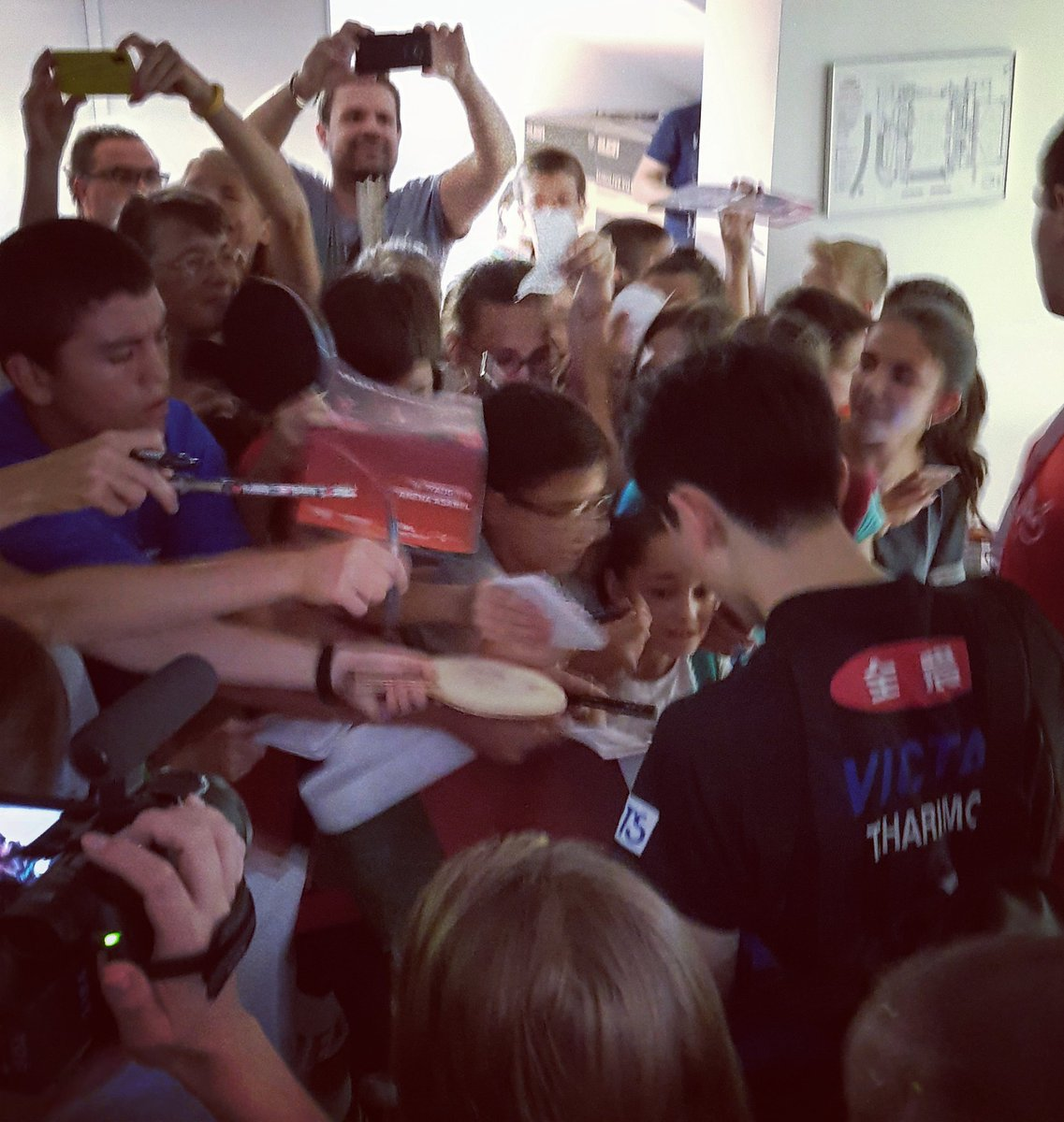 Tomokazu Harimoto meeting his fans here at the #BulgariaOpen after his 4-1 win over Emmanuel Lebesson!