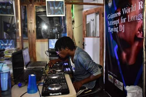 FUTA Undergraduate DJ Breaks Guinness World Record For Longest DJ&#39;ing | Sahara Reporters  READ MORE:  http:// bit.ly/2OIAPj4  &nbsp;  <br>http://pic.twitter.com/mfkB3dWqYe