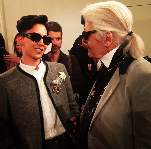 VIPS know one of the greatest Fashion Designers in the world (ever) as just  .....Karl ! he&#39;s like one of us because our King is a muse to him , a friend and  House Ambassador to Chanel  can&#39;t wait to see GD and Karl together again ! #HappyKWONJIYONGDay #Happy818GDay <br>http://pic.twitter.com/SRuQTD41FV