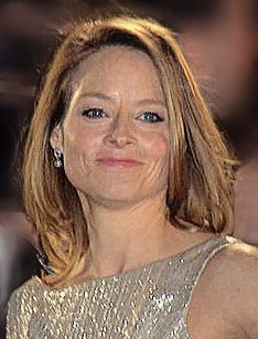 "Did you guess it? The #FrenchSpeakingCeleb is Jodie Foster! She used her skills to do her own French lines in ""Moi, fleur bleue"" and ""A Very Long Engagement"". Watch her complete French interview for her 2016 film ""Money Monster"": youtube.com/watch?v=L6S8xr…"