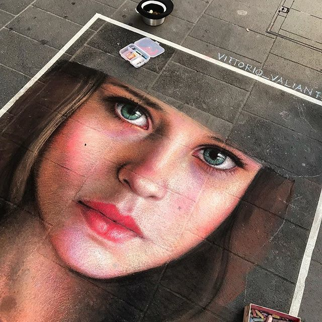 VITTORIO VALIANTE @vittorio_valiante #vittoriovaliante #napolistreetart #streetartnapoli #children #bambina #eyes #eye #sguardo #streetart #streetartists #streetarteverywhere #photostreet #streetphotography #urban #urbanlifestyle #urbanlife #street #art… https://ift.tt/2MzegQy  - Ukustom