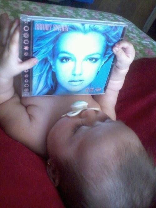 Britney Spears  - Σελίδα 18 Dk0QpKOV4AANleG