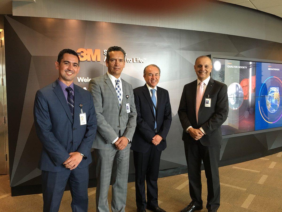El Centro de #Innovación de 3M en St. Paul tuvo el honor de recibir a @JMCarrerasGob, Gobernador de San Luis Potosí. Stan Rendon, Alejandro Martínez y John Pournoor lo recibieron para promover la colaboración entre 3M y San Luis Potosí en desarrollo tecnológico. @3MNews