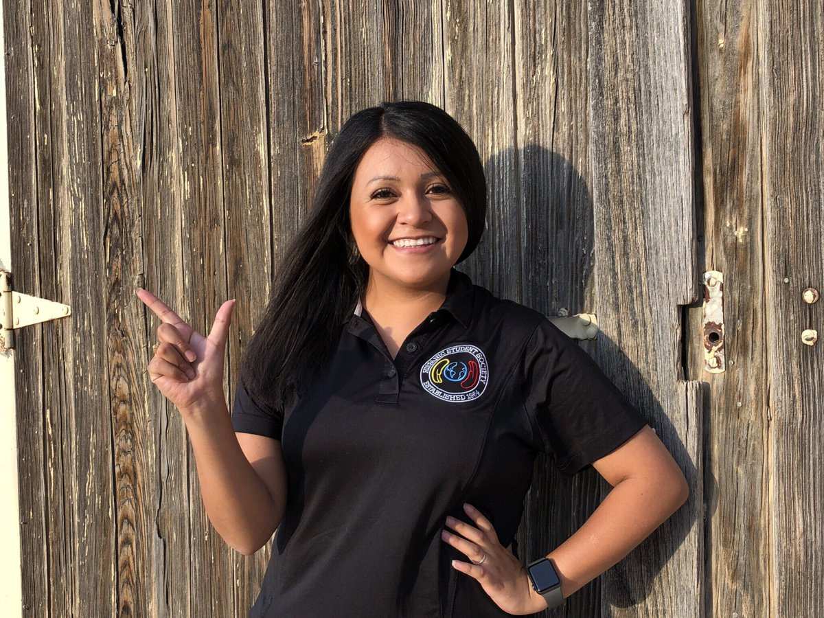 It's finally FRIDAY!! I saved the best for last and would love to introduce our 2018-2019 President Lizbeth Trejo. She's majoring in Accounting &amp; Economics. She's from Gruver, Tx and enjoyed her summer by going on road trips with her siblings. <br>http://pic.twitter.com/lq1TcwzQNq