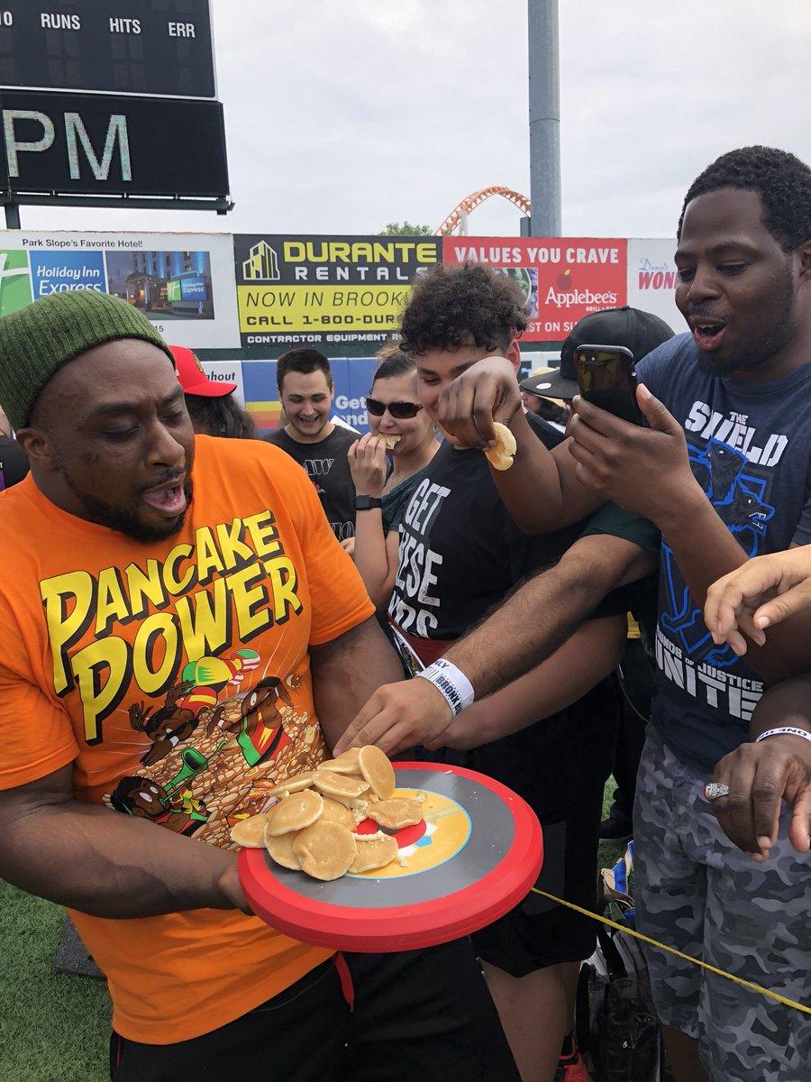 Pushing pancakes at Amazon's @treasuretruck #SummerSlam experience. #PowerOfPositivity #WWE #Mattel #TreasureTruck