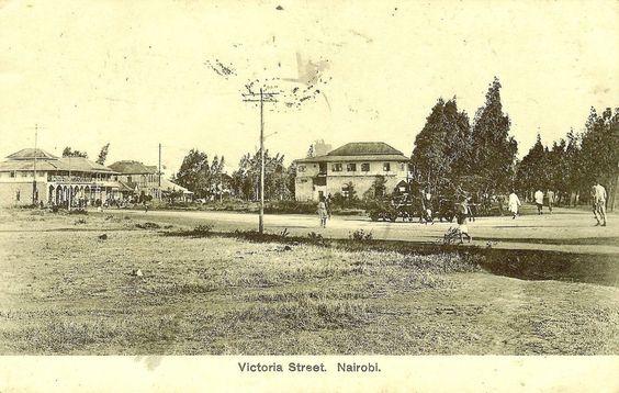 Victoria Street in Nairobi in 1915.  We now call it Tom Mboya Street.<br>http://pic.twitter.com/X6yzD2VOVU