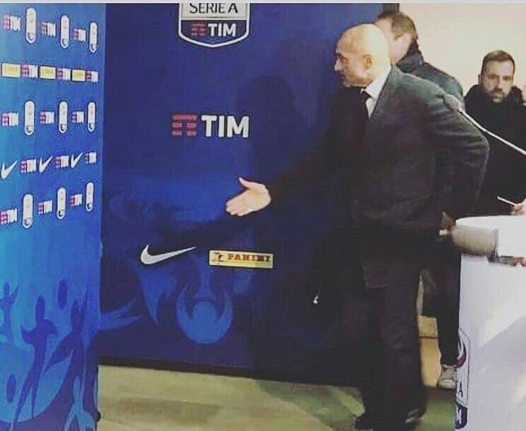 #Spalletti si presenta al neo interista #Modric.  - Ukustom