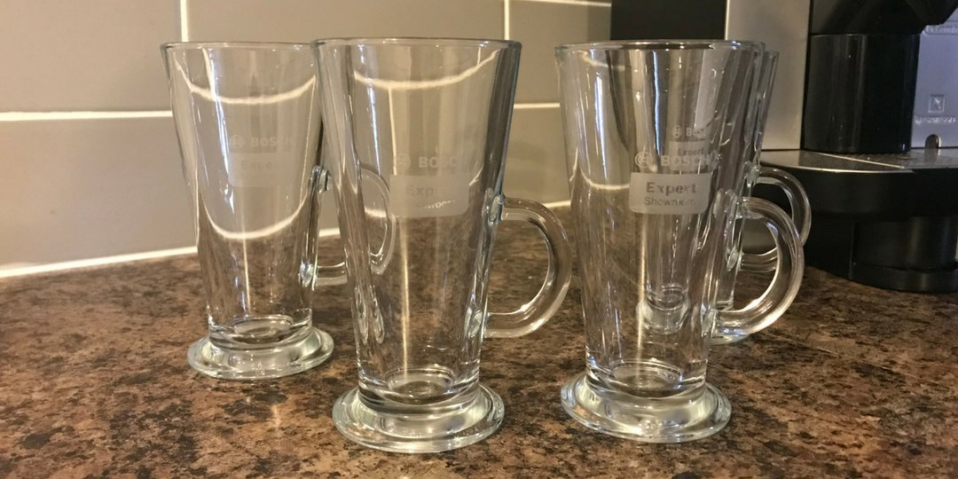 *FREEBIE FRIDAY*  Sip a hot drink from these stylish @BoschHomeUK glass mugs, ideal for lattes, coffees and more!  RT &amp; follow to win this set of 4 glass mugs! Ends: 07.09.18  #kitchen #Competition #win #giveaway #comp #winit #giveaways #prize #freebiefriday #friyay <br>http://pic.twitter.com/6l7MN50uFG