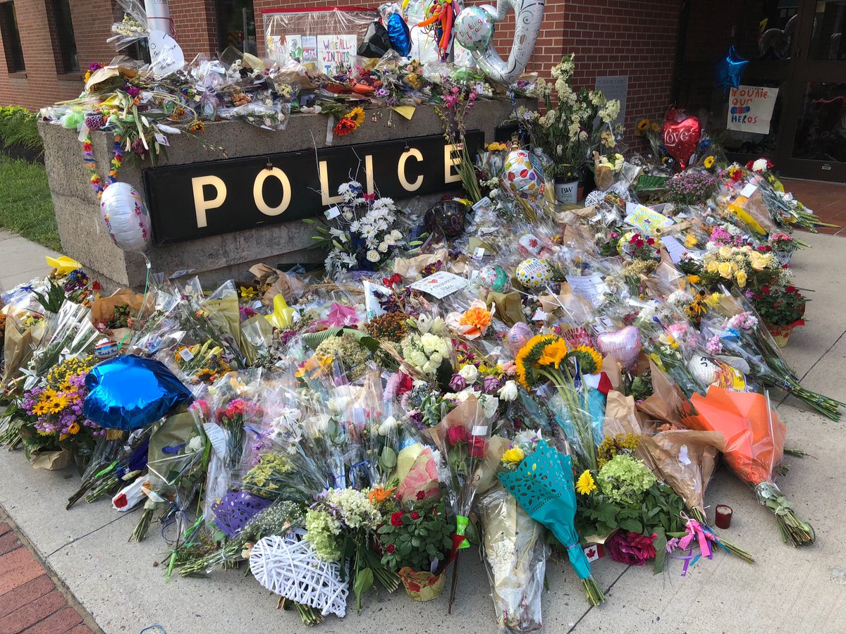 Collection of #FrederictonStrong gifts  http://www. fredericton.ca/en/news/police -force/collection-of-frederictonstrong-gifts &nbsp; … <br>http://pic.twitter.com/MFUcBZd9Xk