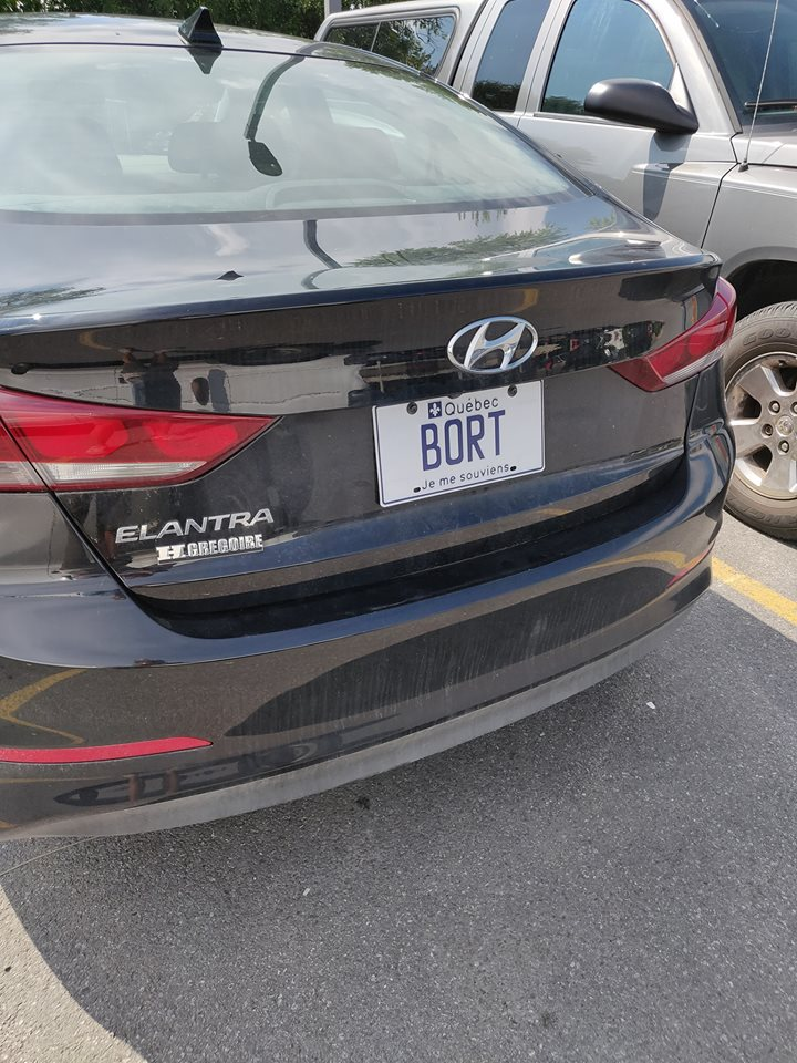Quebec just got vanity licence plates, and nothing will ever be better than this. <br>http://pic.twitter.com/b34TdHnXgU