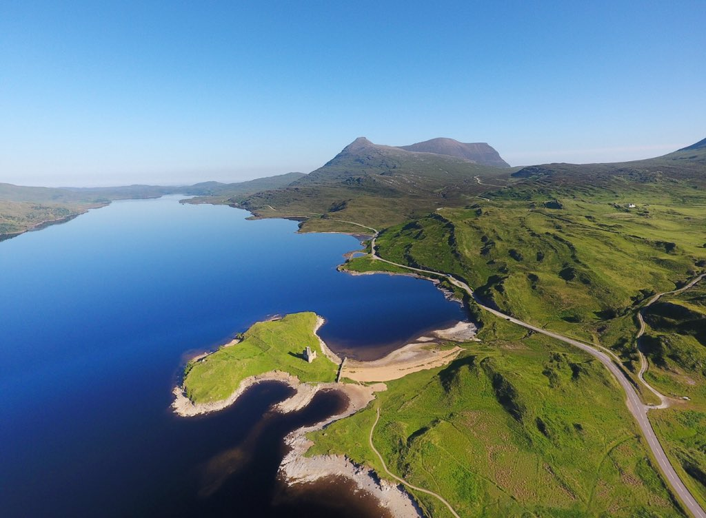 The mighty Quinag towering above Loch Assynt and Ardvreck castle in the far Northwest of Scotland  seen from my DJI Phantom 4 drone #dronelife #phantom4 #lochassynt #scotland #ScotlandIsNow @VisitScotland<br>http://pic.twitter.com/gZT1hhJ0Ua