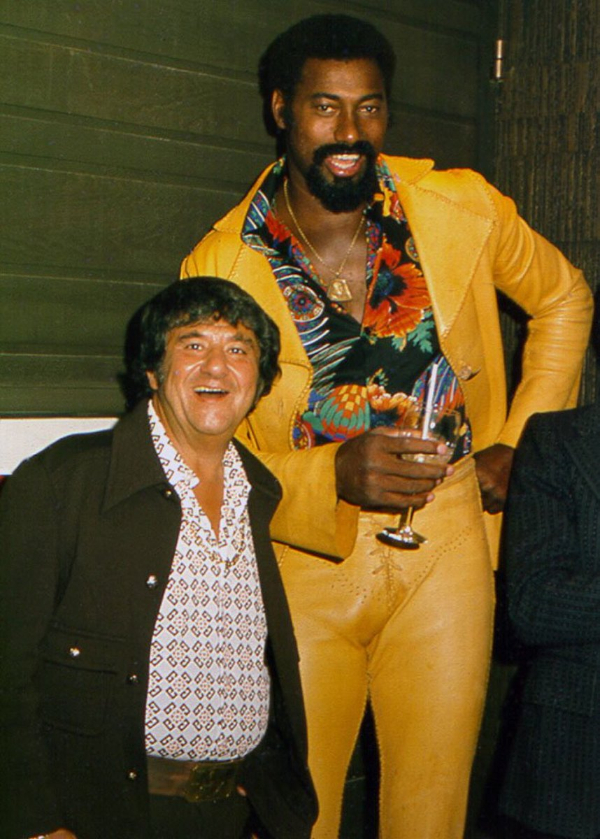 A man has reached one hell of a special plateau in his life when he can wake up in the morning and think &quot;I&#39;m gonna wear my yellow leather suit and hang out with Buddy Hackett tonight.&quot; <br>http://pic.twitter.com/ZcuO58qbrj