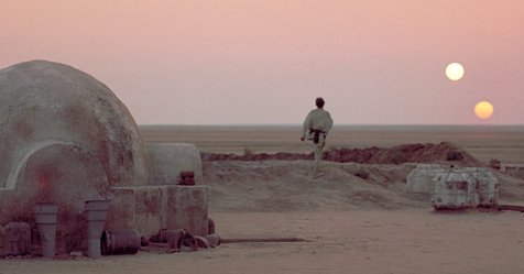 Star Wars spin-off about Tatooine 'was' in pre-production, here's what happened to it https://t.co/wzMXdoxj1b https://t.co/EuzAiUWqjT