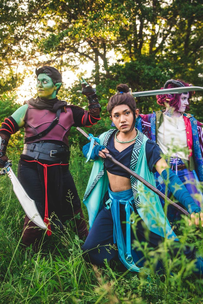 We make a really good team Fjord - me Beau - @prinncox  Molly - @InkyCosplay  Photography - Shannolynnphotography (IG) #CriticalRole #CriticalRoleCosplay<br>http://pic.twitter.com/NLMCtS6SWF