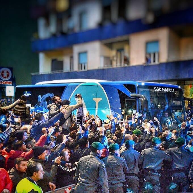 Il mercato è finito e domani riparte il campionatoBasta polemiche, pensiamo al nostro Napoli, pensiamo a tifare e sostenere, solo così aiuteremo i nostri ragazzi in questo nuovo viaggio a tinte azzurre!#ForzaNapoliSempre  - Ukustom